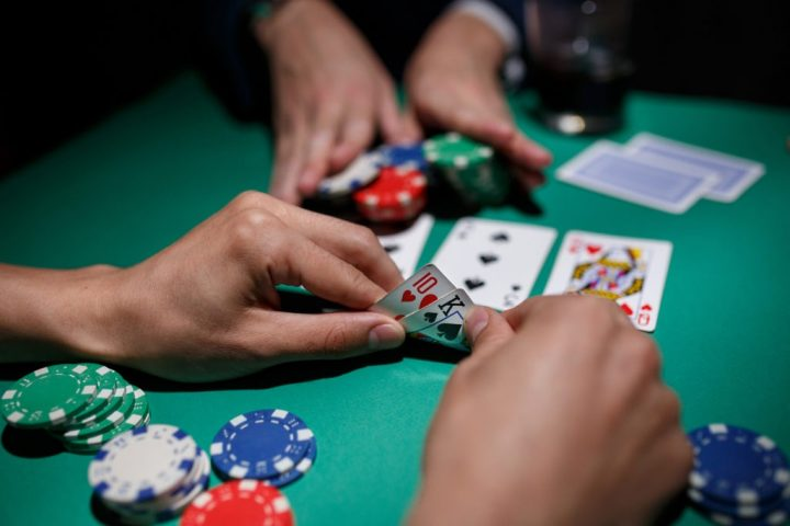 Live poker- should know effective tricks to be a winner on a poker table